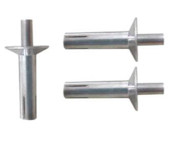 Rivetti in alluminio a martello